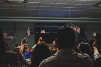 Как выбрать иммиграционного адвоката