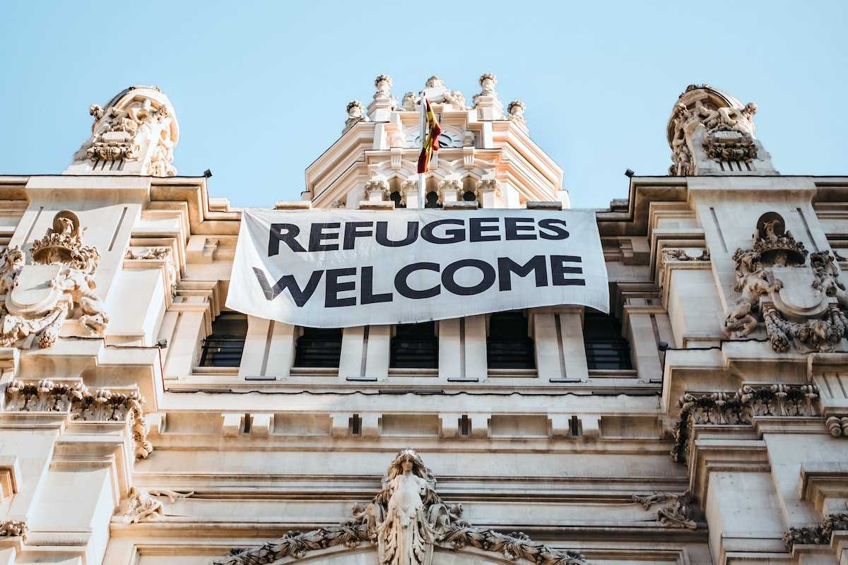 Как получить грин-карту беженцам